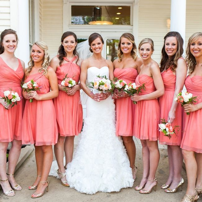 20 Coral Bridesmaids Dresses see more : https://www.fabmood.com/20-coral-bridesmaid-dresses/ Coral bridesmaids