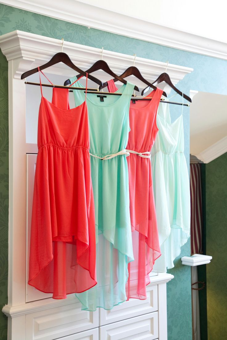 mint and coral bridesmaids,Mint bridesmaids,mint bridesmaids dresses,mint ,bridesmaids dresses,mint bridesmaid gowns,bridesmaids mint green,mint blue bridesmaids dresses