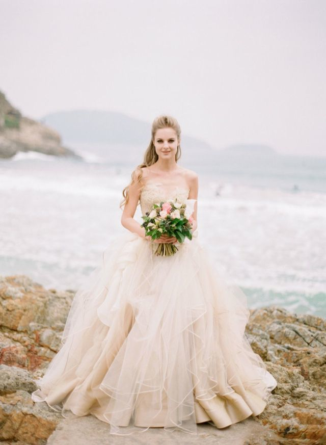 Beach wedding dresses ideas 1 fab mood wedding colours for Best stores for dresses for weddings