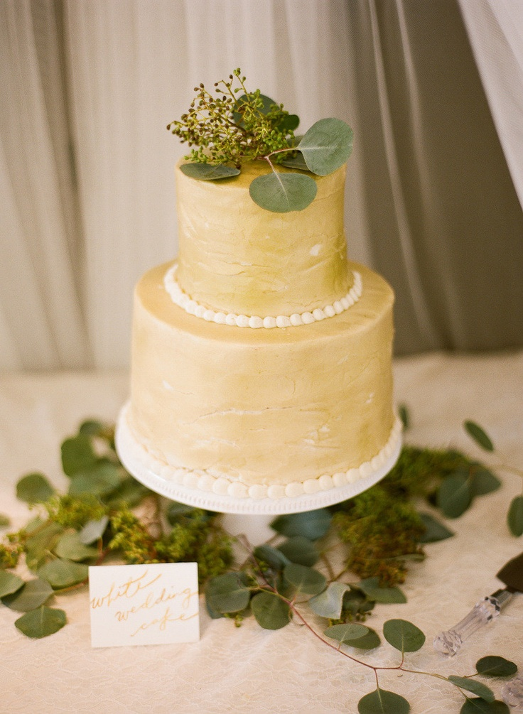 gold wedding cake ideas,gold wedding cake