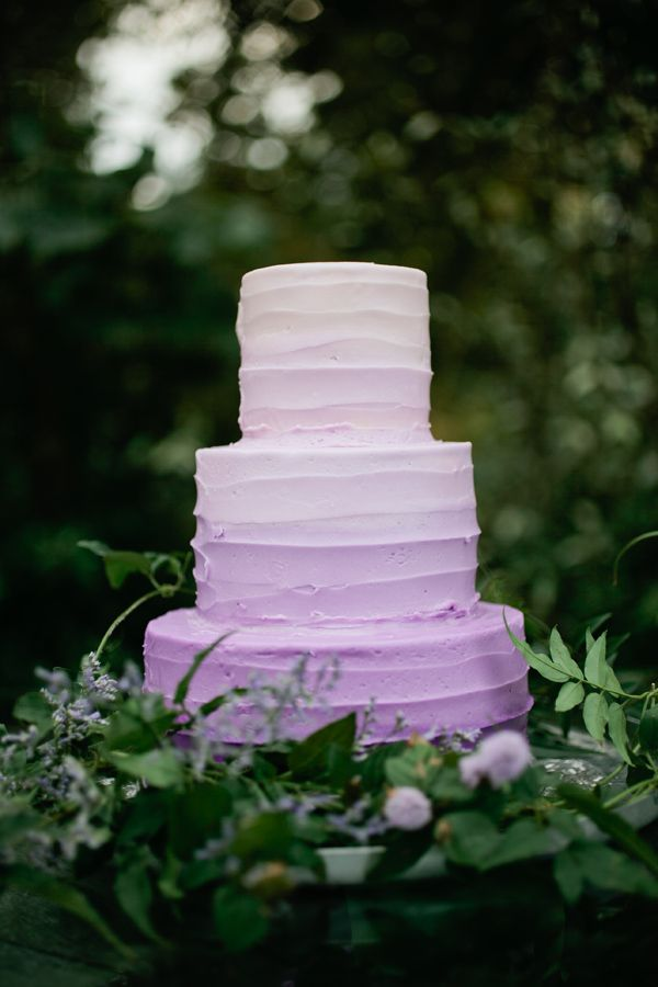 lavender wedding cake,lavender ombre wedding cake