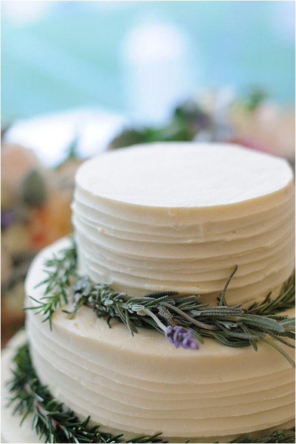 2 tiers lavender wedding cake
