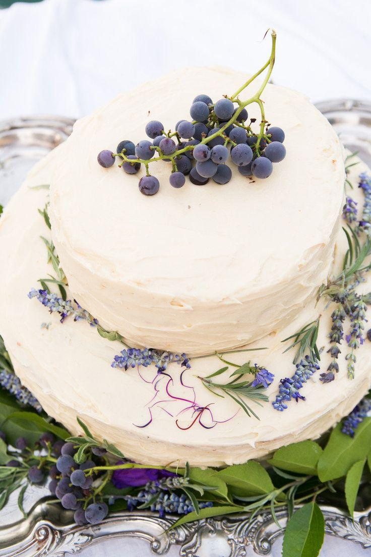 lavender wedding cake,wedding cake pictures,wedding cake ideas,wedding cake