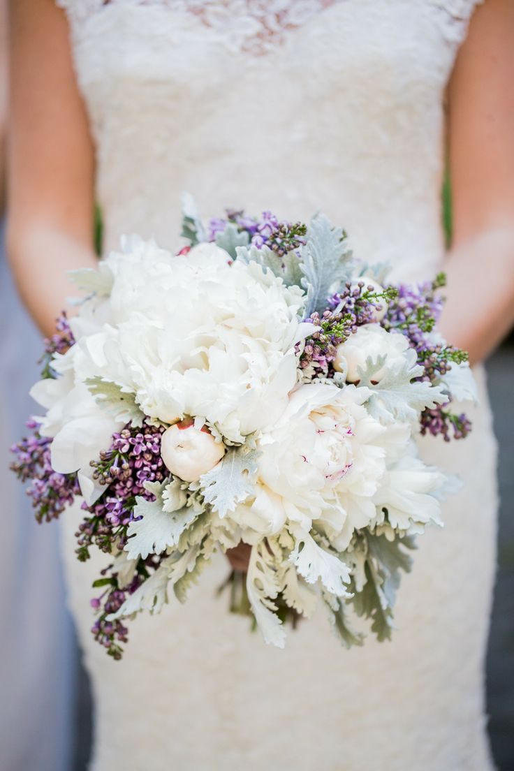 white and purple peony bouquet,wedding bouquet,peony wedding bouquet