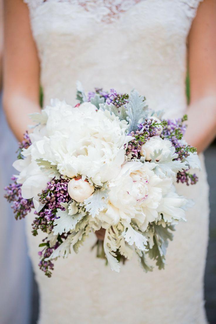 white and purple peony bouquet,wedding bouquet,peony wedding bouquet