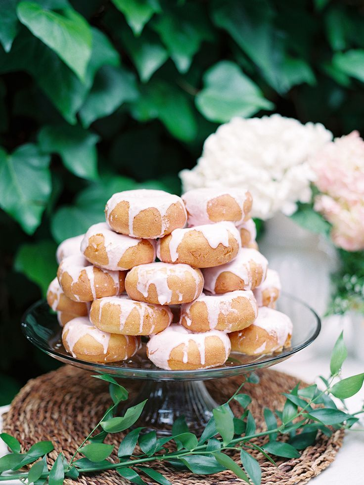 wedding donuts,pink frosted wedding donuts,wedding donut