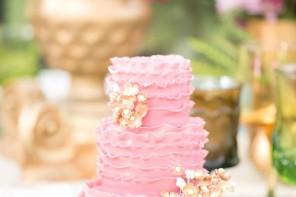 22 Pretty Ruffle wedding cakes