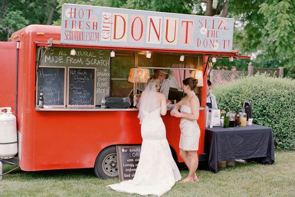 wedding donuts van,wedding donuts