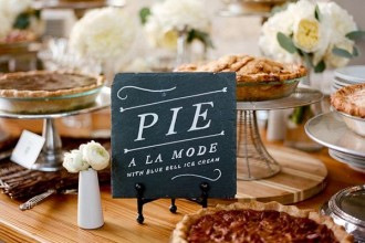wedding pie display,wedding pies,wedding pie bar