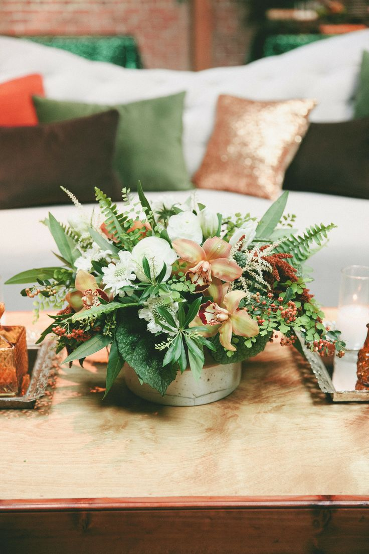 emerald and gold weddingมBotanical-Inspired Wedding