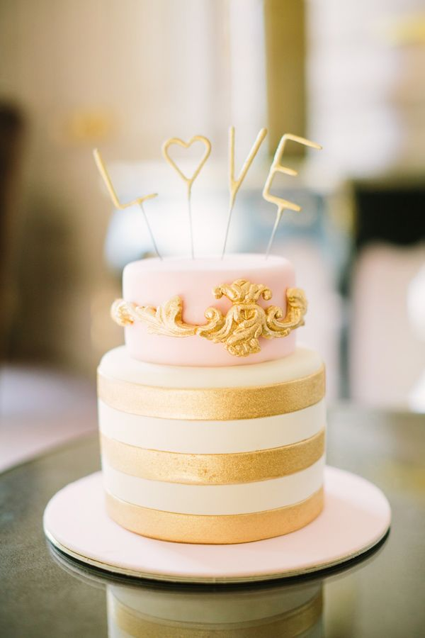 and gold wedding cakes