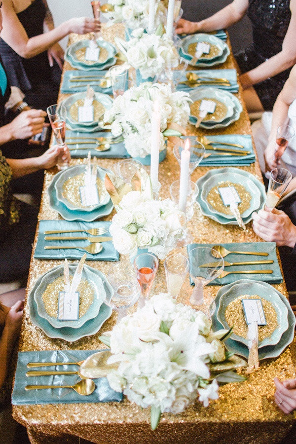 dusty blue and gold wedding,dusty blue and gold place setting