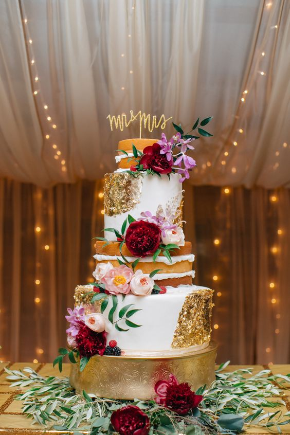 The perfect autumn wedding cake ideas #weddingcake wedding cake ideas #goldweddingcake #elegantweddingcake #weddingcakes #fallweddingcake