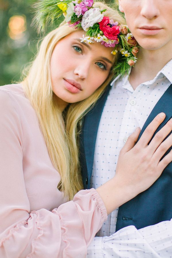 Wedding hairstyles down with flower floral crown headbandwedding floral hairstyleswedding hairstyles with flower wreathwedding hairstyles junglespirit Images