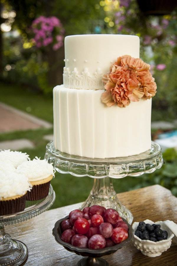 White simple wedding cake