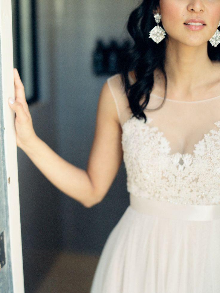 whimsical wedding,blackberry gold and white wedding inspiration,wedding color,wedding dress,black white and gold wedding
