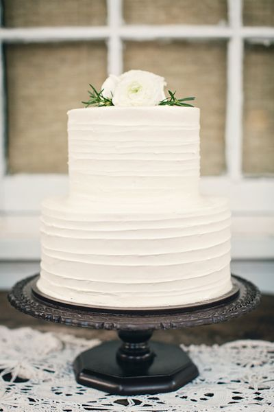 wedding cake trends buttercream wedding cakes. Black Bedroom Furniture Sets. Home Design Ideas