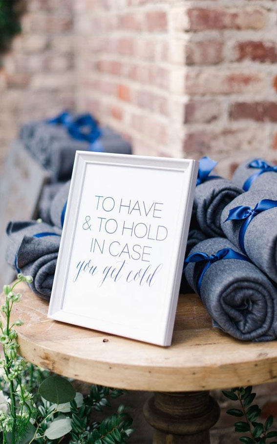 wedding favor display, blanket wedding favors