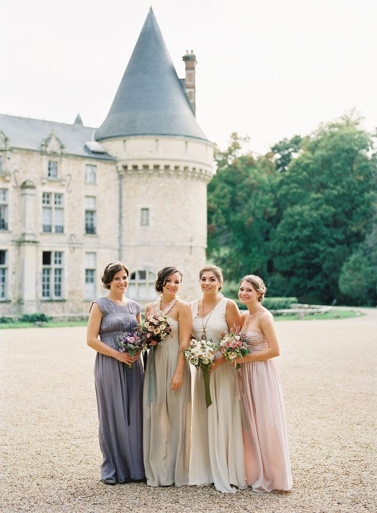desination wedding in France,French Château wedding,French wedding style,neutral and blush wedding colors,neutral bridesmaids