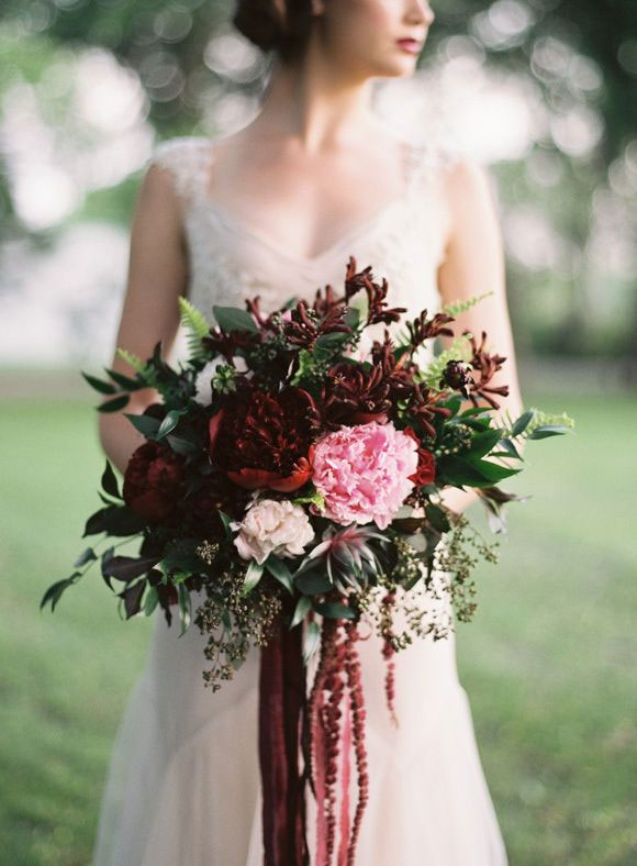 Red autumn bridal bouquet | Lani Elias Fine Art Photography | red and hint of pink autumn bridal bouquet