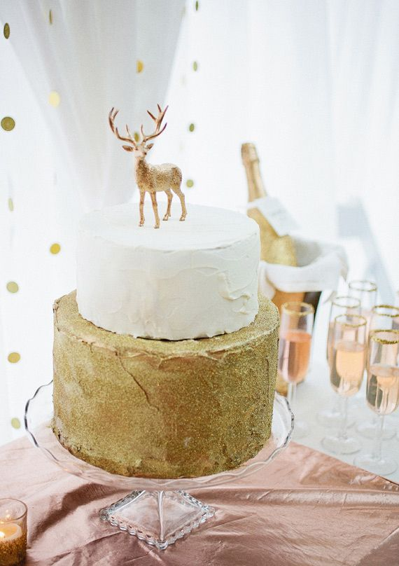 gold winter wedding cake