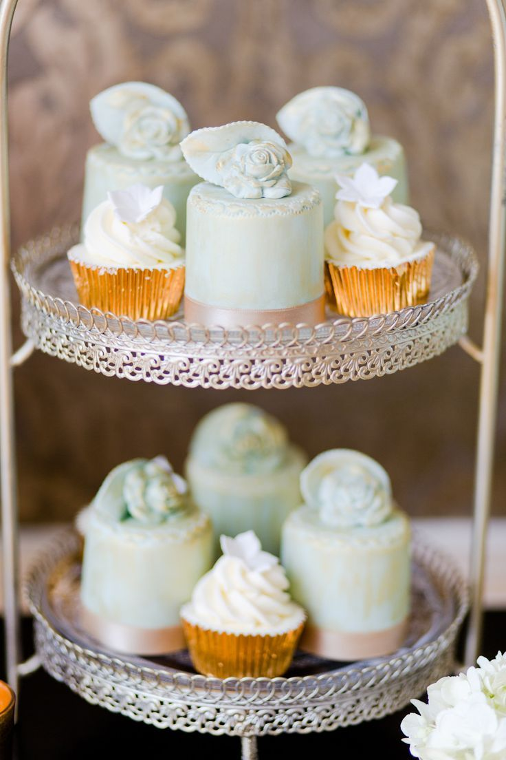 Pastel wedding Colors palette { Mint, Lucite green and gold } Wedding Cakes by Krishanthi| EddieJuddPhotogray.com