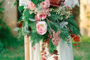 Boho Chic Wedding Inspiration Shoot from Anna Roussos Photography - annaroussos.com | Read more : https://www.fabmood.com/boho-chic-wedding-inspiration-shoot-anna-roussos-photography
