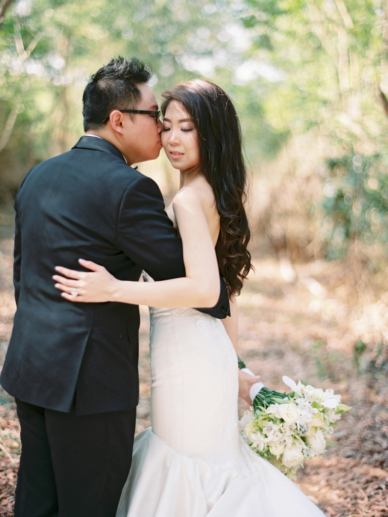 fabmood.com | Classic White Wedding In Bali | Photographer : Angga Permana - anggapermana.com