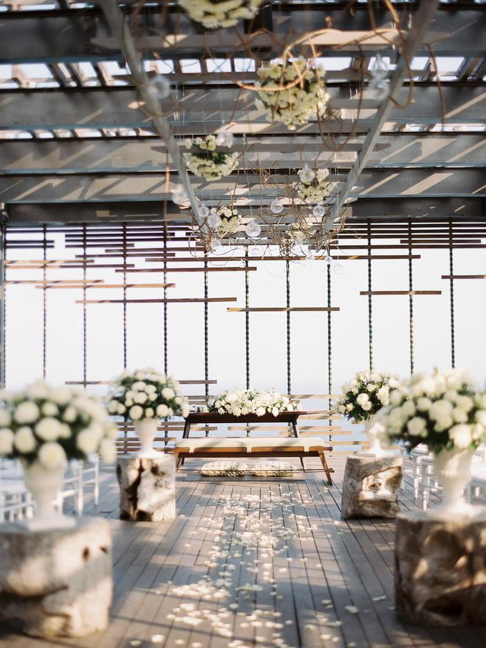 fabmood.com | Classic White Wedding In Bali | Photographer : Angga Permana - anggapermana.com
