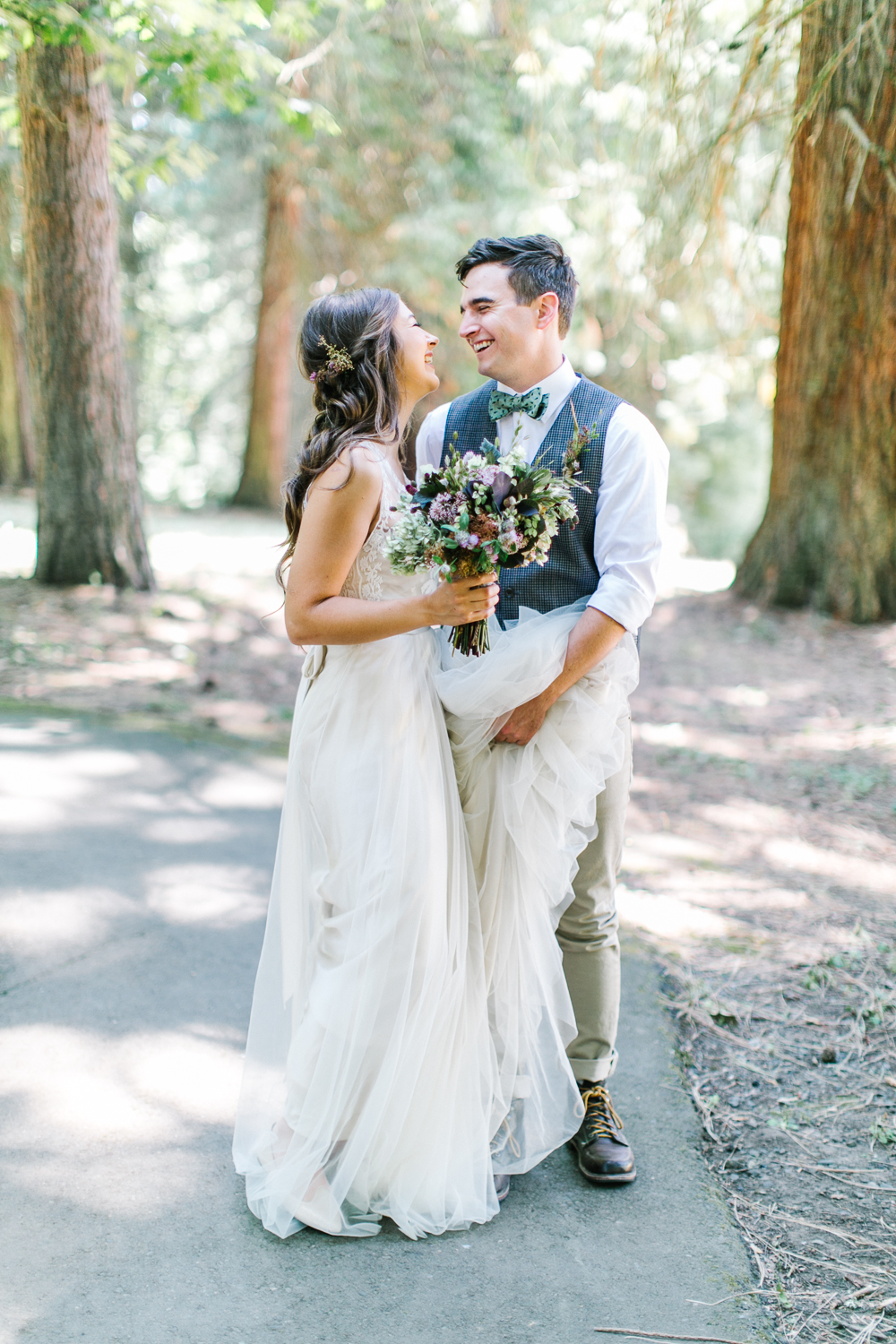 http://www.fabmood.com/gallery/rustic-oregon-summer-wedding-maria-lamb-photography