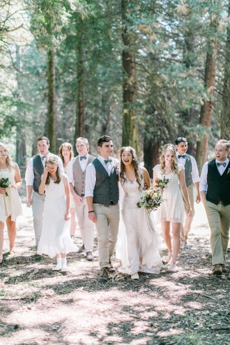Wedding Party - Rustic Oregon Summer Wedding from Maria Lamb Photography - marialamb.co