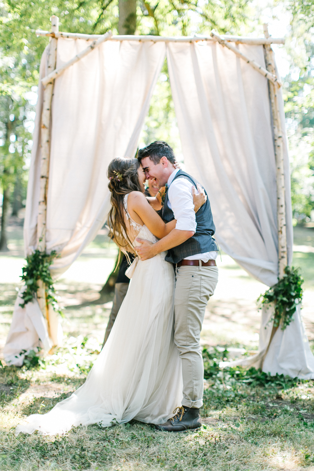 wedding ceremony - Rustic Oregon Summer Wedding from Maria Lamb Photography - marialamb.co