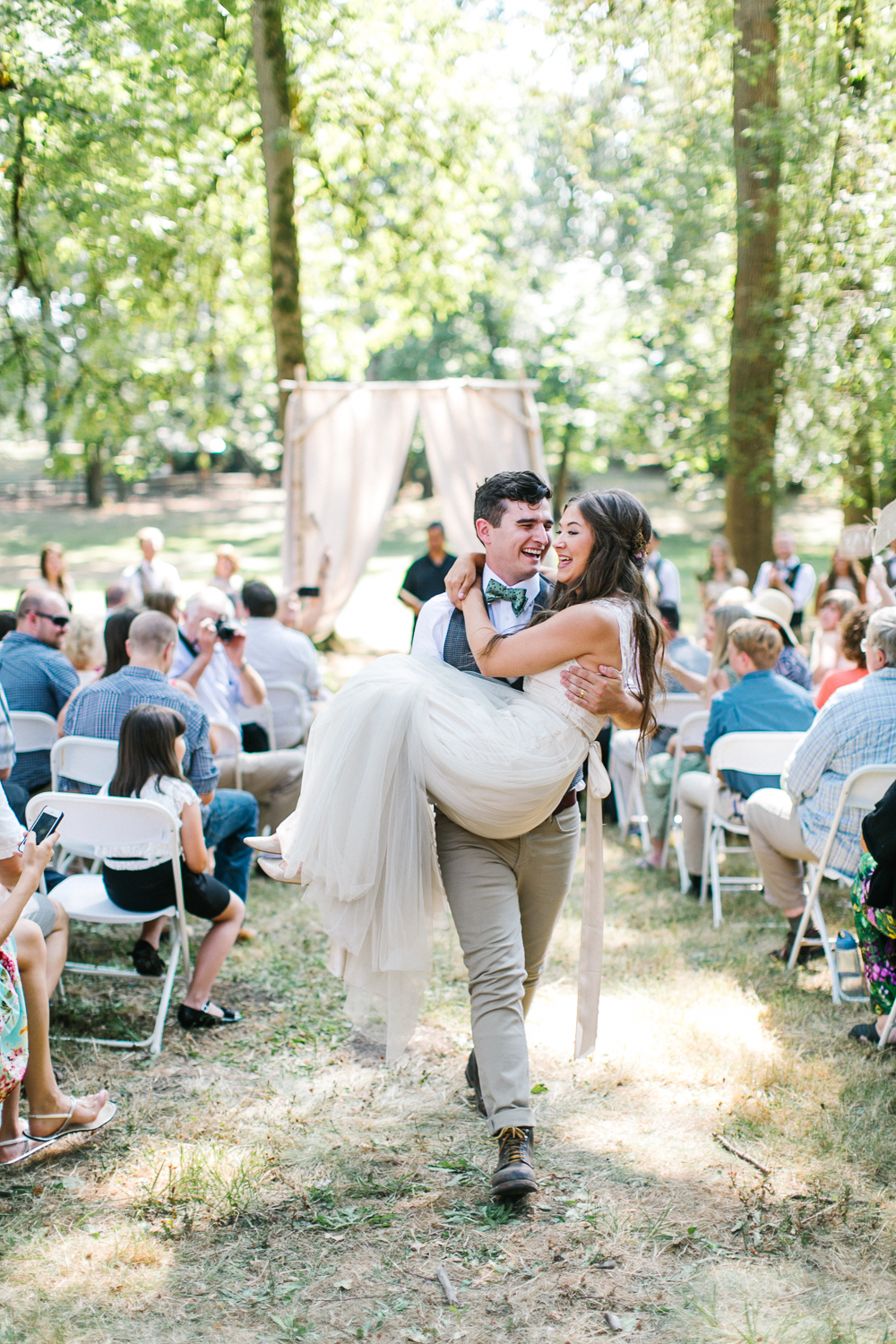 Rustic Oregon Summer Wedding from Maria Lamb Photography - marialamb.co