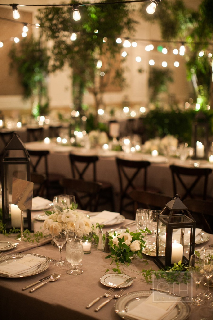 Wedding centerpieces extravagant or simple - Decoration table champetre jardin la rochelle ...