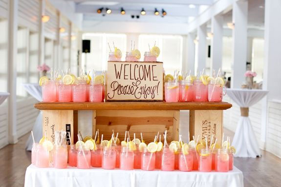 wedding drinks,peach coral and grey wedding palette | fabmood.com