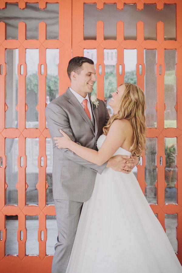 bride and groom ,grey and coral wedding ideas