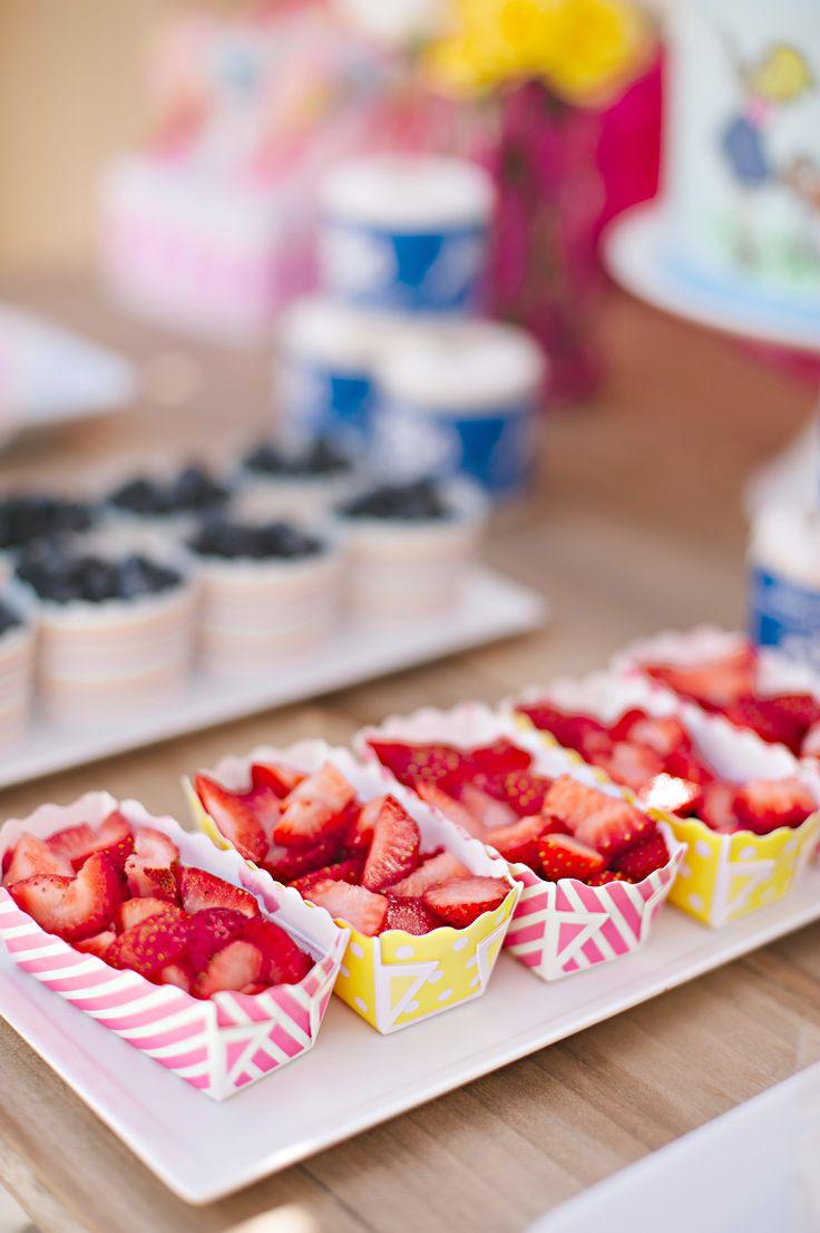 summer wedding food , fun ideas for kids at weddomg ,Photography: Julie Cate Photography - juliecate.com