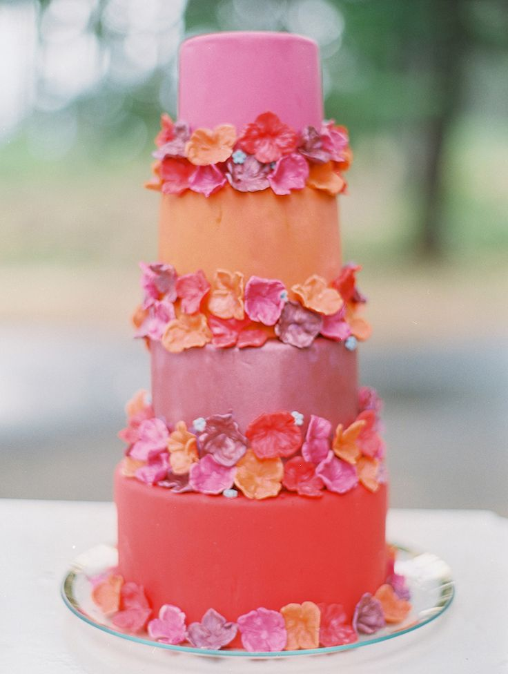 Perfect Summer Wedding Cake