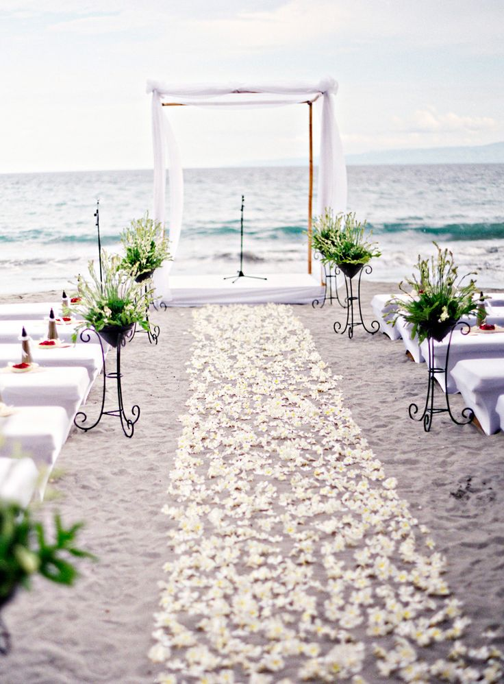 12 ways to make you wedding aisle look fabulous wedding aisle ideaswedding aisle decorationswedding ceremony decorations wedding ceremony ideas junglespirit Image collections