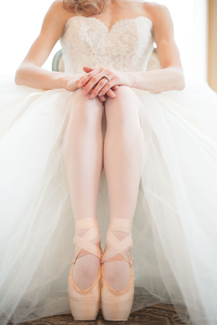 Ballet wedding shoes| Photography: JessicaMaida.com