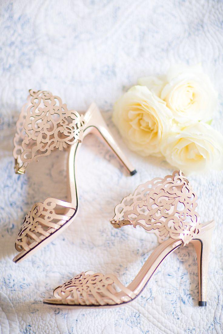 nude wedding shoes | Photography: Le Secret D'Audrey - lesecretdaudrey.com