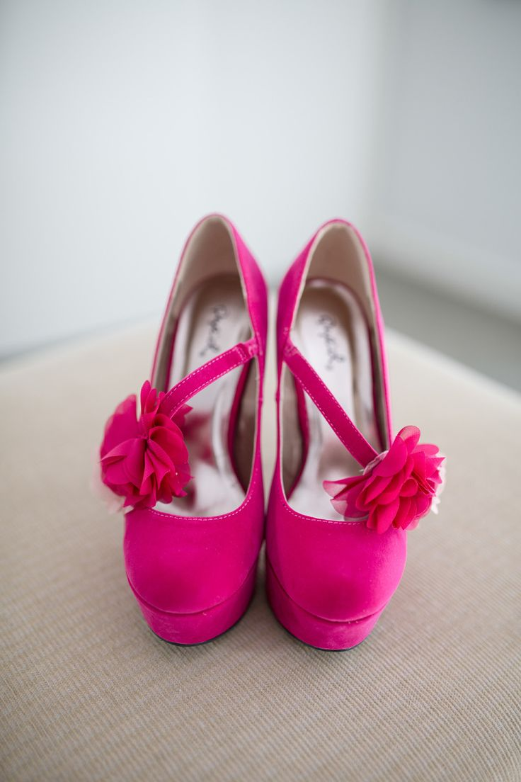 hot pink wedding shoes | photography : danaealiphotography.com/