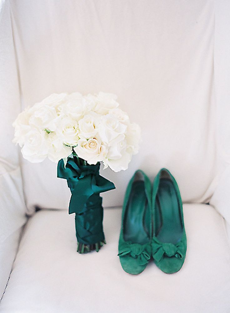 green wedding shoes | Photography :Clary Photo