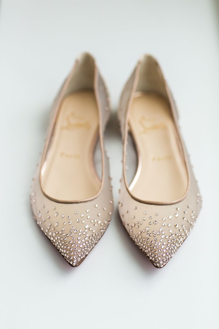 glamour wedding shoes | Photography: Ann & Kam Photography & Cinema - www.annkam.com/