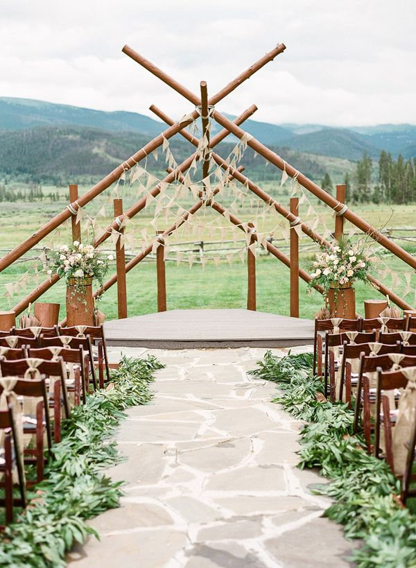 12 Ways To Make You Wedding Aisle Look Fabulous