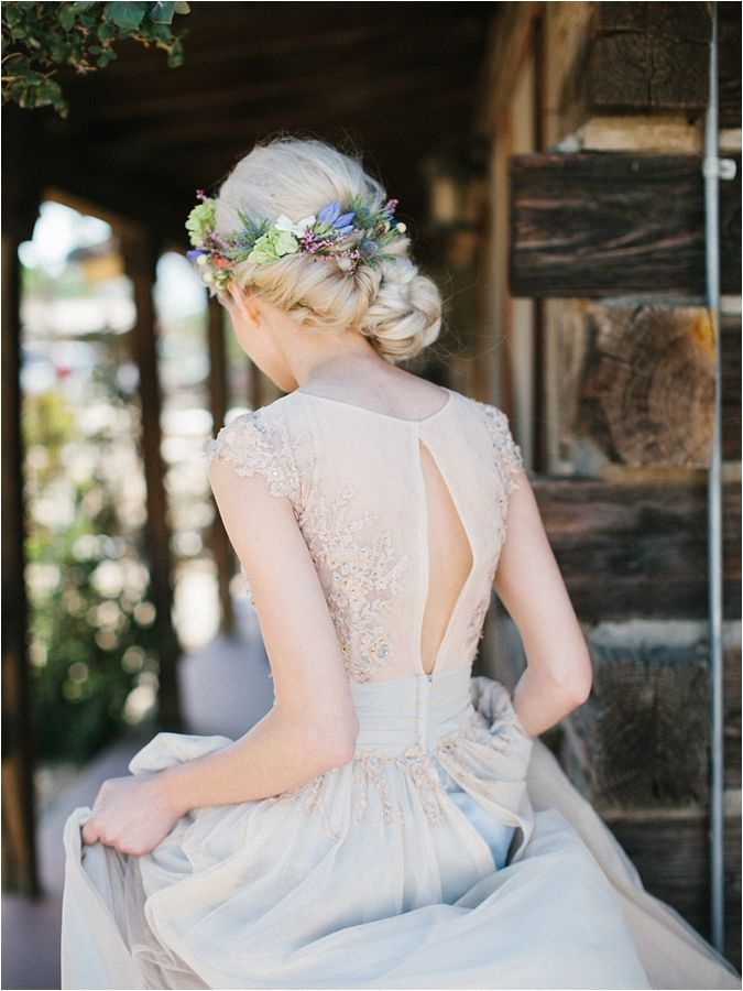 gorgeous bridal hair floral | fabmood.com
