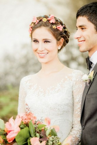 Plait hairstyle with flowers | fabmood.com