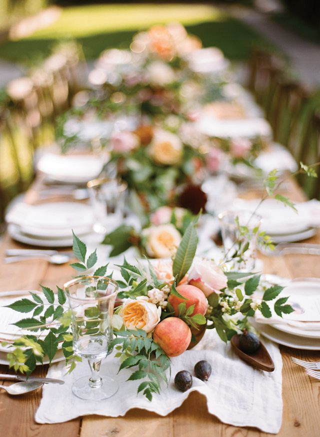 Fruits as centerpices - Stunning wedding table ideas | fabmood.com