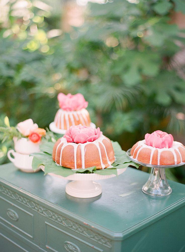 summer wedding cake idea