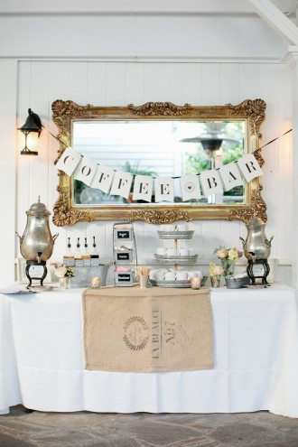 A coffee and tea bar for Autumn and Winter Weddings   fabmood.com